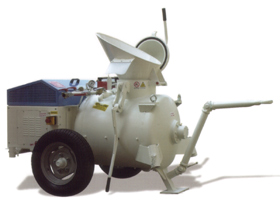 Бетоносмесители-пневмонагнетатели, штукатурные растворонагнетатели, торкрет машины новые (Италия)