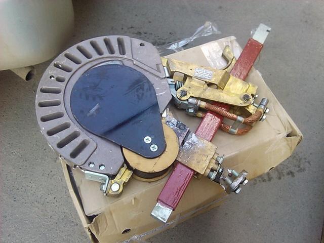 Продаю изоляторы 6ТН.280.046 (048)    В наличии. Цена низкая. Электрика, зап.части ж.д. в наличии и под заказ.