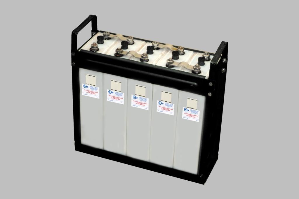необходимо их по возможности скорее заправить или калиевым или натриевым электролитам т аккумуляторы