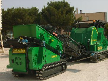 KOMPLET KOMPATTO SC 221 Самая компактная мобильная сортировочная установка на гусеничном ходу, представленная на рынке. Италия