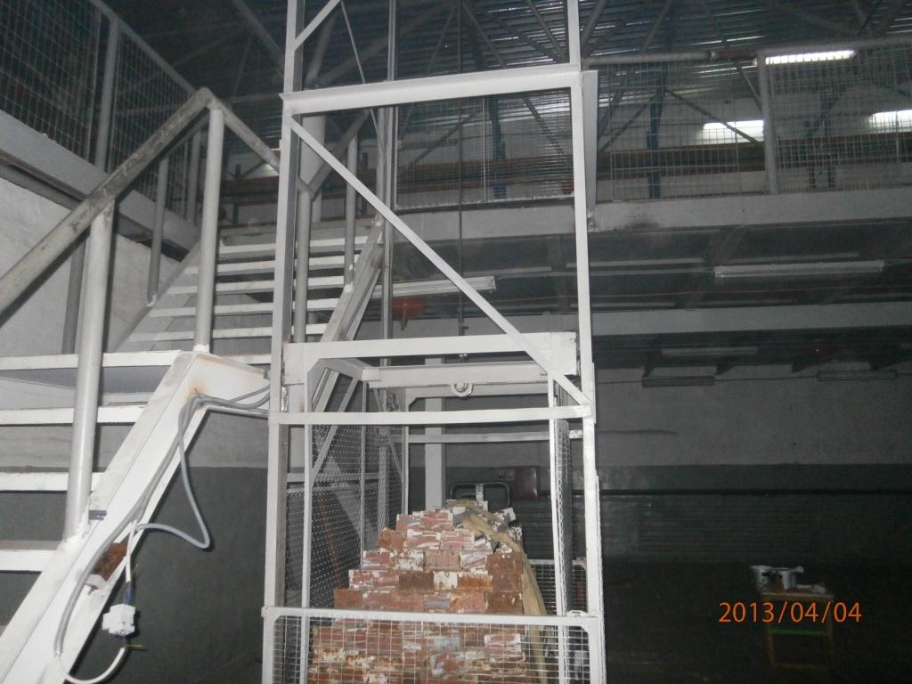 лифты грузовые,мини краны.
