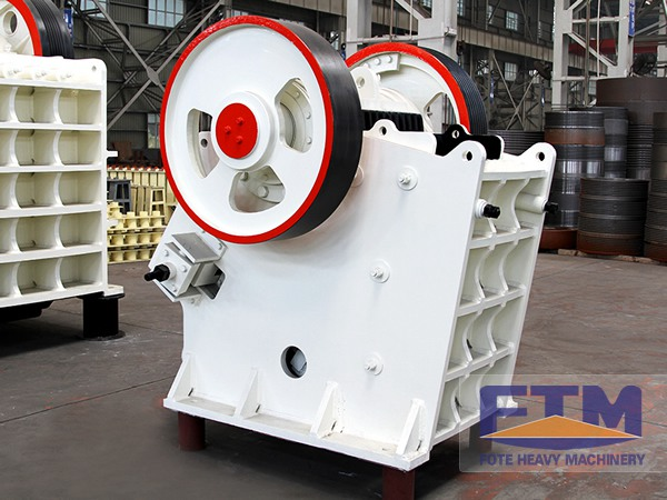 maintenance and lubrication of jaw crusher essay Jaw crusher maintenance system jaw crusher is an important equipment in mine stone crusher, the most rapid development in china, from 1949 to the the degree of jaw crusher with circulating lubrication and cooling system, can effectively reduce the equipment maintenance to reduce wear.