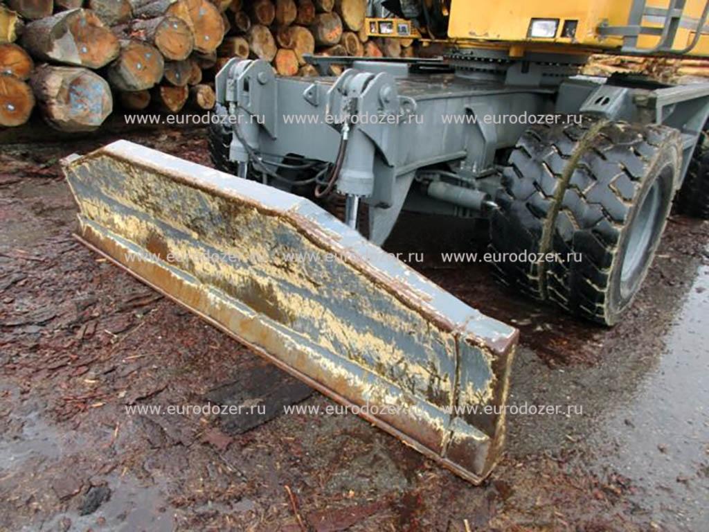Перегружатель леса LIEBHERR 924