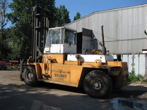 вилочный погрузчик 25 тонн VALMET TD 2512В 2003г.в.
