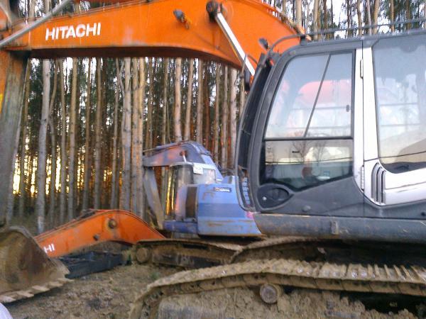Кабина б/у экскаватор Хитачи Hitachi ZX200 ZX330 разборка