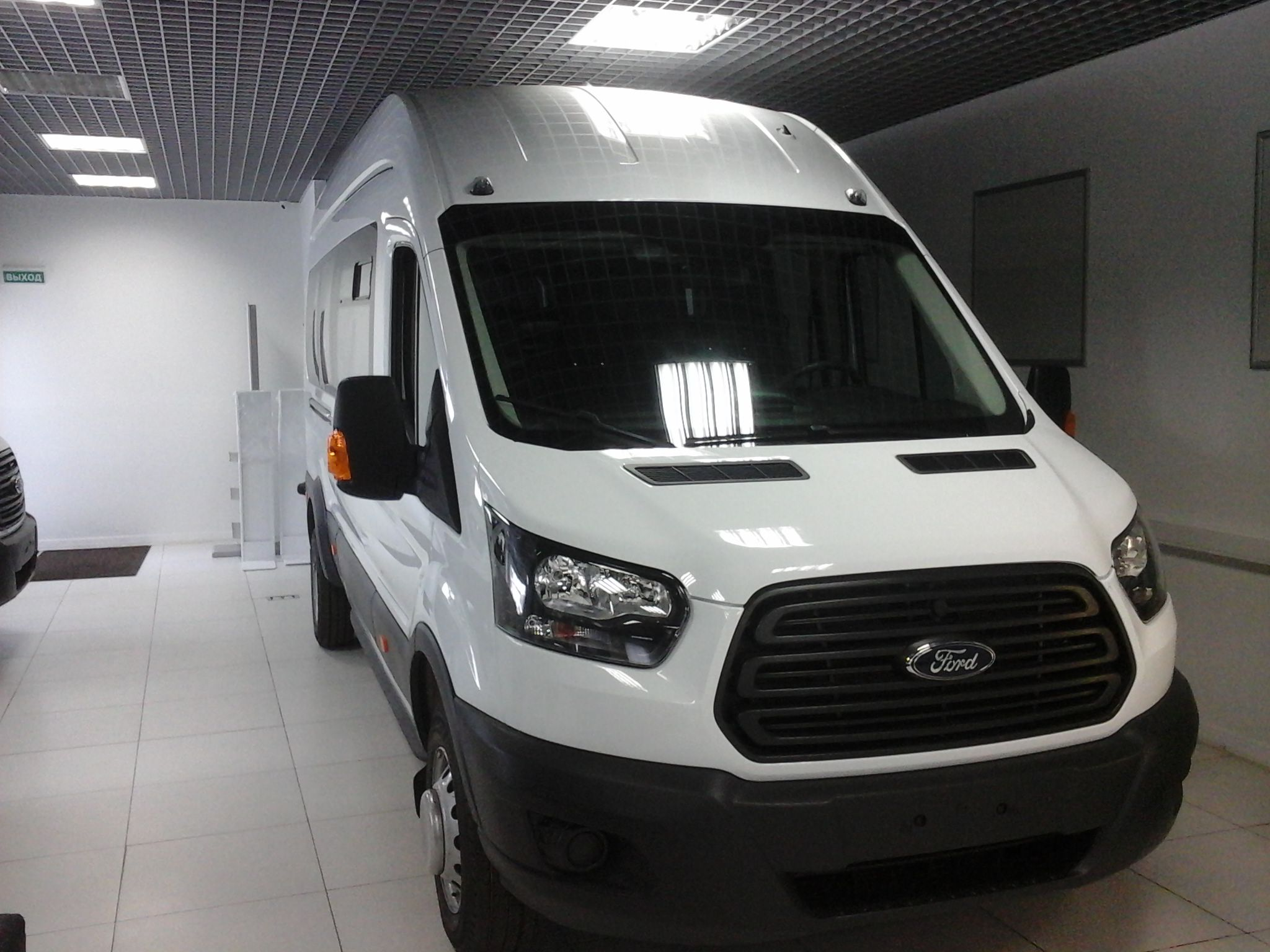 Ford Transit (17+1) туристический микроавтобус