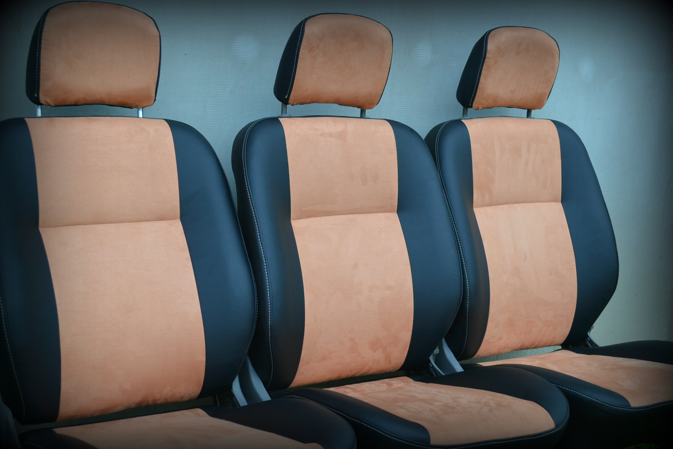 Сиденья-трансформеры в микроавтобус бус,обшивка и ремонт сидений