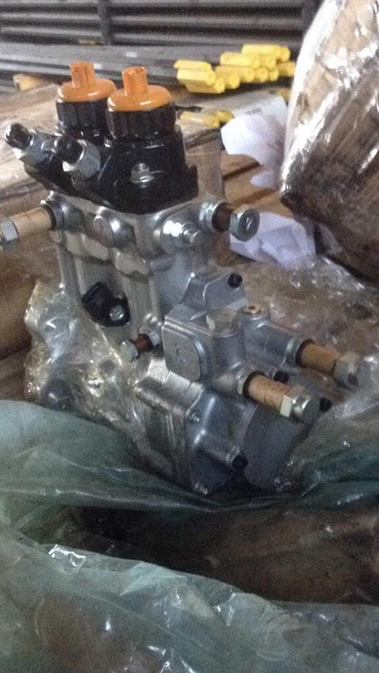 Топливный насос KOMATSU - 6219-71-1111 fuel pump