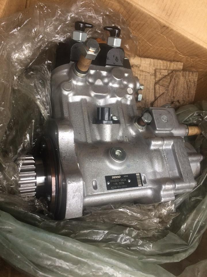 СПЕЦПРЕДЛОЖЕНИЕ топливный насос KOMATSU - 6219-71-1111 fuel pump