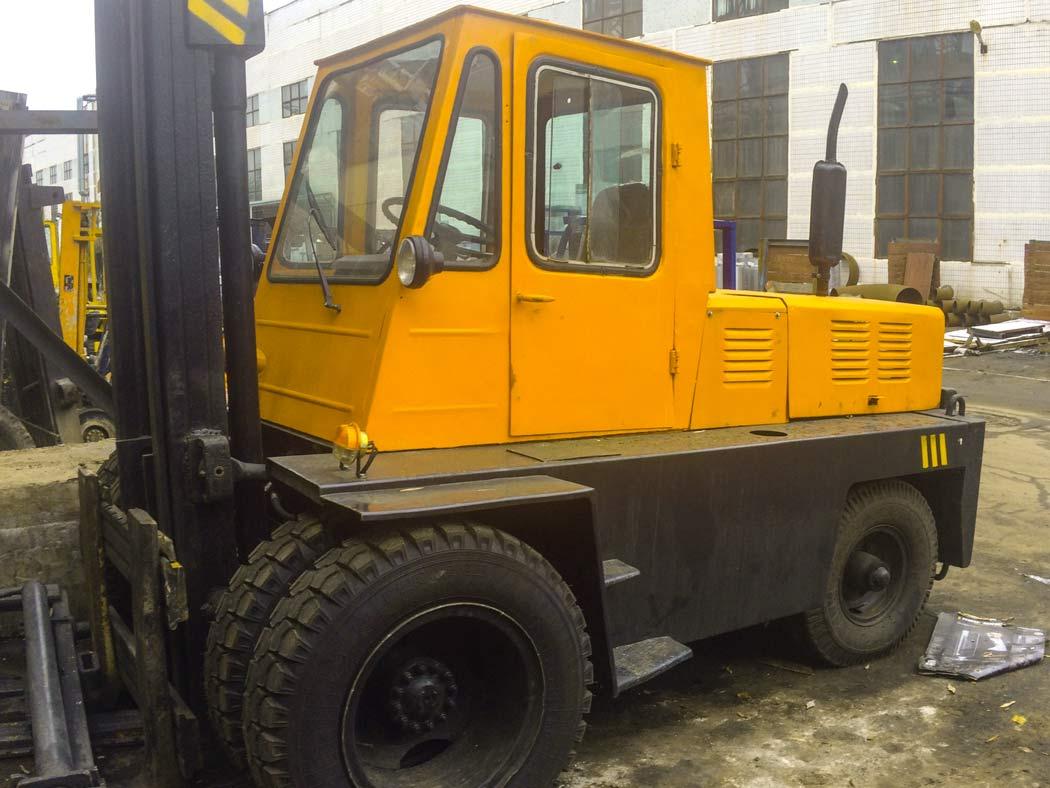 Львовские дизельные погрузчики 5 тонн высота подъема вил 3.3 метра
