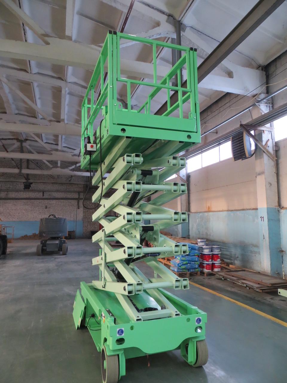 Самоходный ножничный подъёмник ЭКО - 16  для работы в помещении