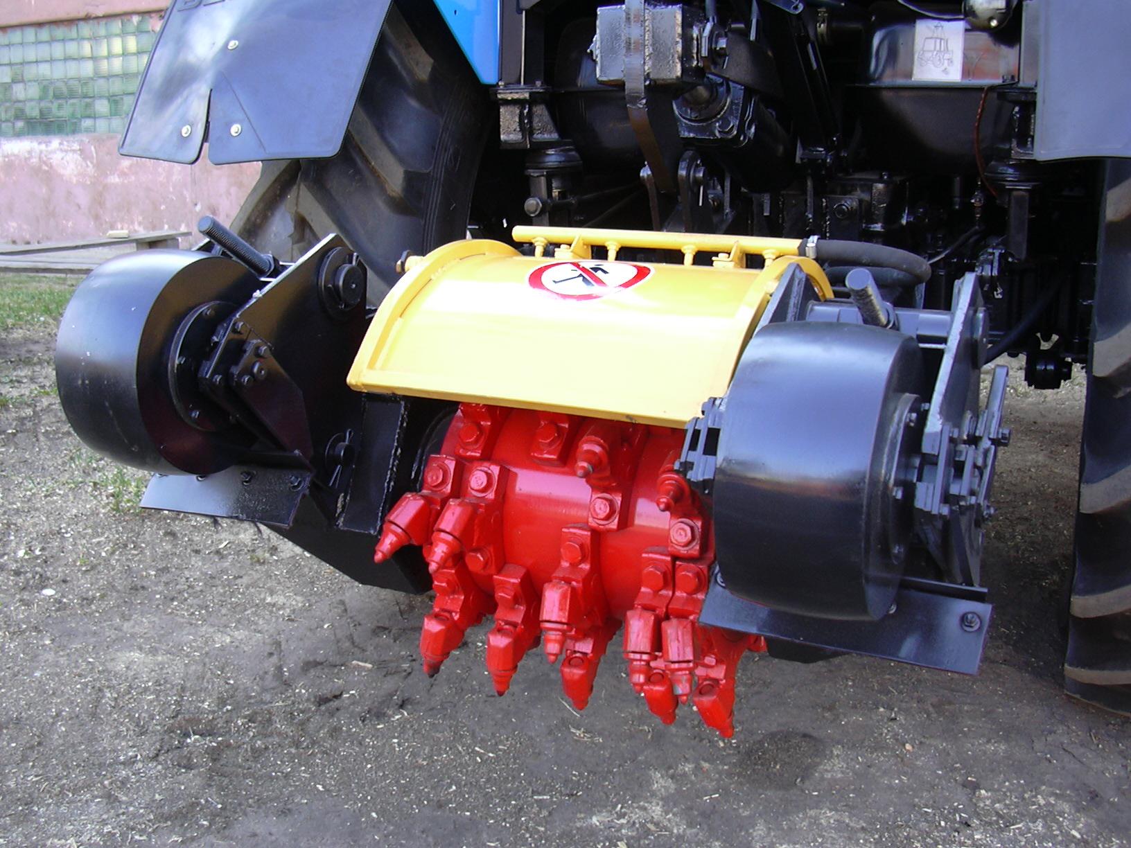 Фреза дорожная навесная для ямочного ремонта ДЭМ-121 с ГХУ