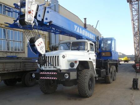 Автомобильный  кран МКТ 25.5 грузоподъемностью 25 тонн на шасси УРАЛ-4320